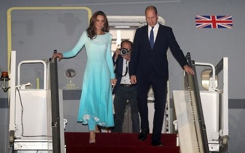 Landing in Pakistan, the Duchess of Cambridge shows the diplomatic style lessons she's learnt from Princess Diana