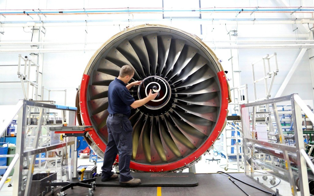 Rolls Royce to cut 700 jobs at Renfrewshire plant, with hundreds more at risk