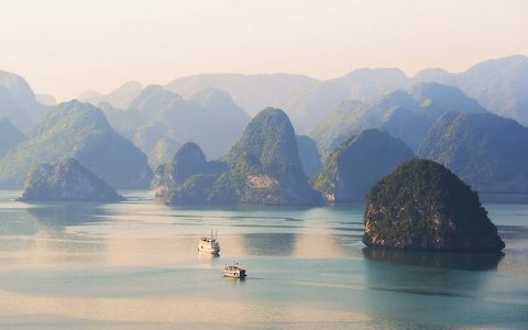 The nine books you need to pack for a cruise around Asia