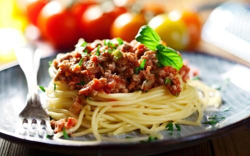 Spaghetti bolognese is ruined by the British, top Italian chef Antonio Carluccio claims