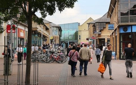 Number of high street shoppers down 10pc in seven years