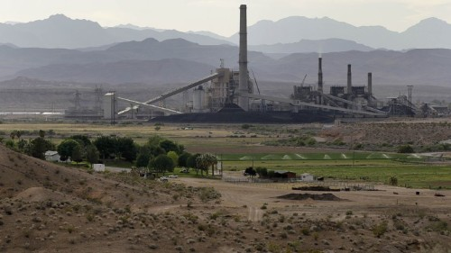 Warren Buffett Shuts Down One of the Dirtiest Power Plants in the U.S.