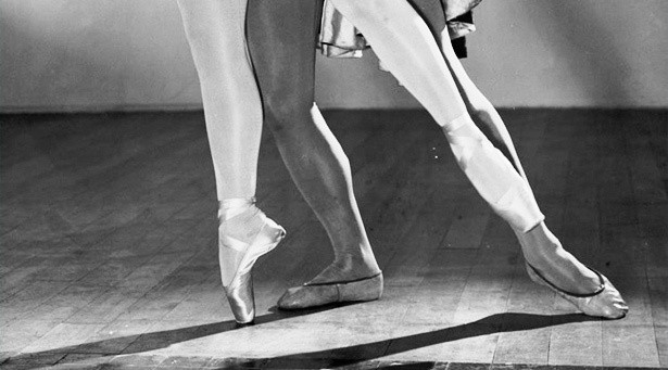 Ballet Shoes and Ballerinas as Technology: A History En Pointe