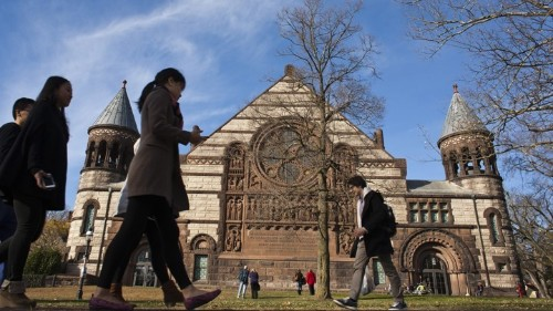 Ivy League Scholars Urge Students: 'Think for Yourself'