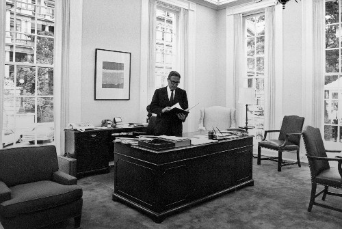 World Chaos and World Order: Conversations With Henry Kissinger