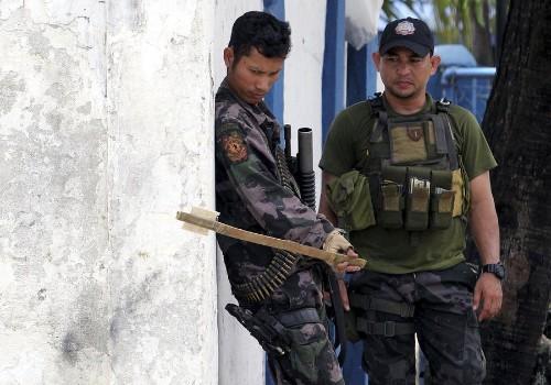 Muslim Rebels Attack Philippine Towns