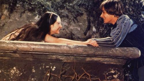 Romeo and Juliet Has No Balcony