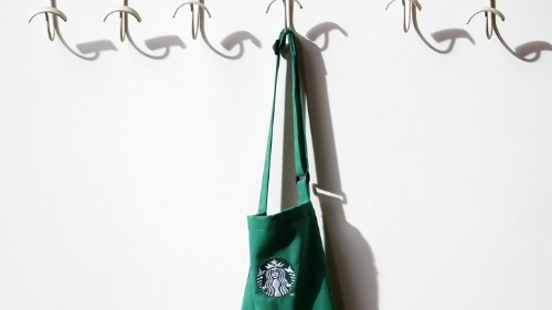 Starbucks to Begin Selling Booze Nationwide