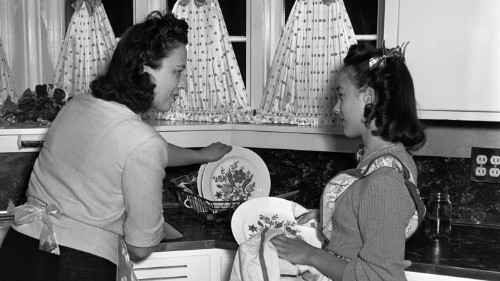There's a Clear Boy-Girl Housework Gap Among Teens