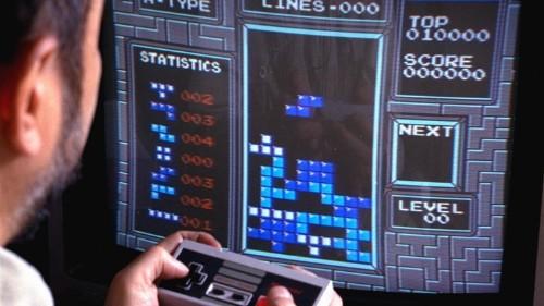 Playing Tetris Can Reduce Urges to Eat, Smoke, Drink