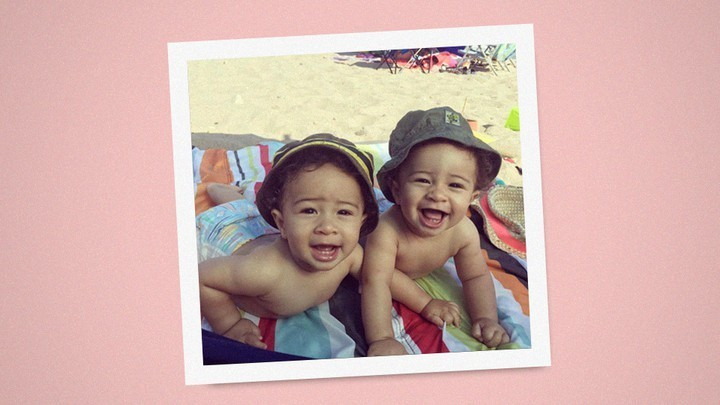 Identical Twins Hint at How Environments Change Gene Expression