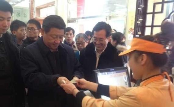 Xi Jinping Eats Some Dumplings at a Restaurant