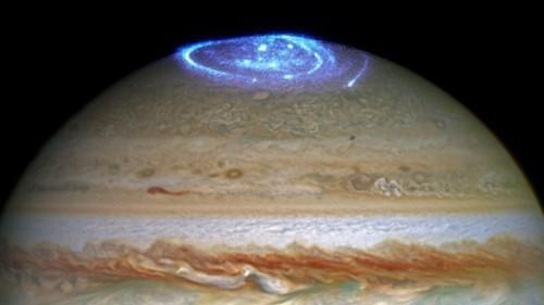 Jupiter Puts on a Light Show For Juno