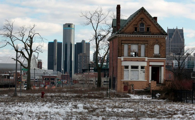 The 1998 Dystopian Novel That Eerily Foresaw 2013 Detroit