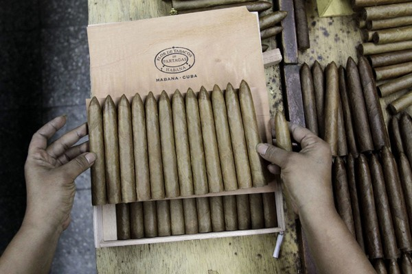 Where Cuban Cigars Come From: Pictures From a Factory