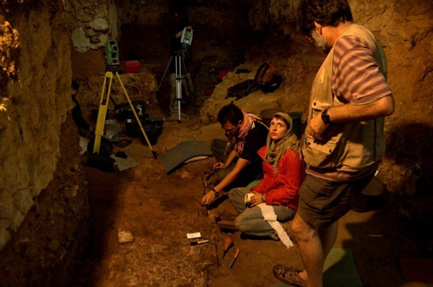The Clues That Neanderthals Didn't Know How to Make Fire