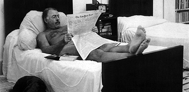 Of Course Hemingway Read the Paper in the Nude: Photos of Authors at Home