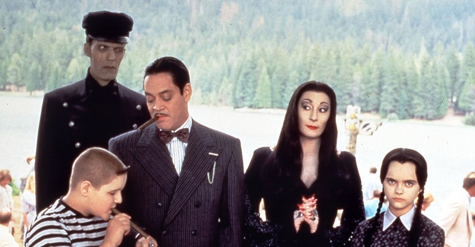 Addams Family Values Is a Darkly Funny Thanksgiving Satire