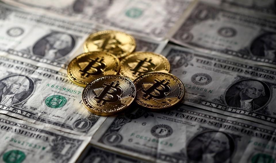 Crypto Money 💸 - Magazine cover