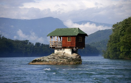 Unusual Homes Around the World