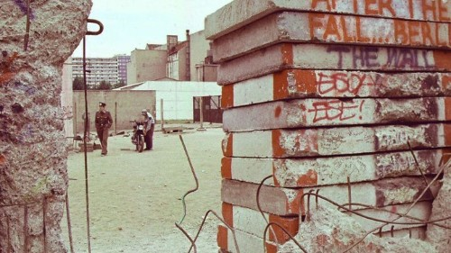 Berlin, 1963: Voices From the Wall