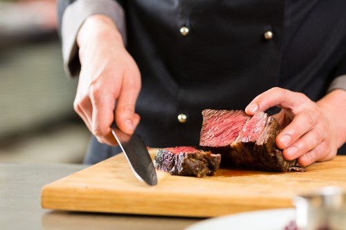 The Proper Way to Slice Your Steak to Make It Up to 4X Easier to Chew