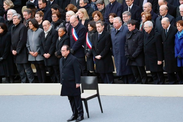 French President Pledges to 'Destroy the Army of Fanatics' Responsible for Paris Terror Attack