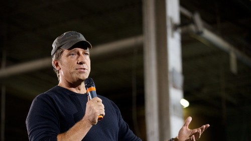 Mike Rowe writes to military mom, thanking her dying son for his sacrifices to keep America free