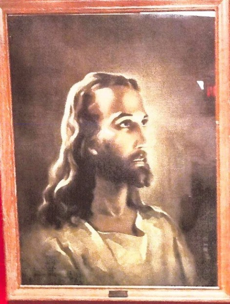 'I'm Sick of This': Residents Express Outrage After Atheists Successfully Demand That Decades-Old Portrait of Jesus Be Removed From Public School