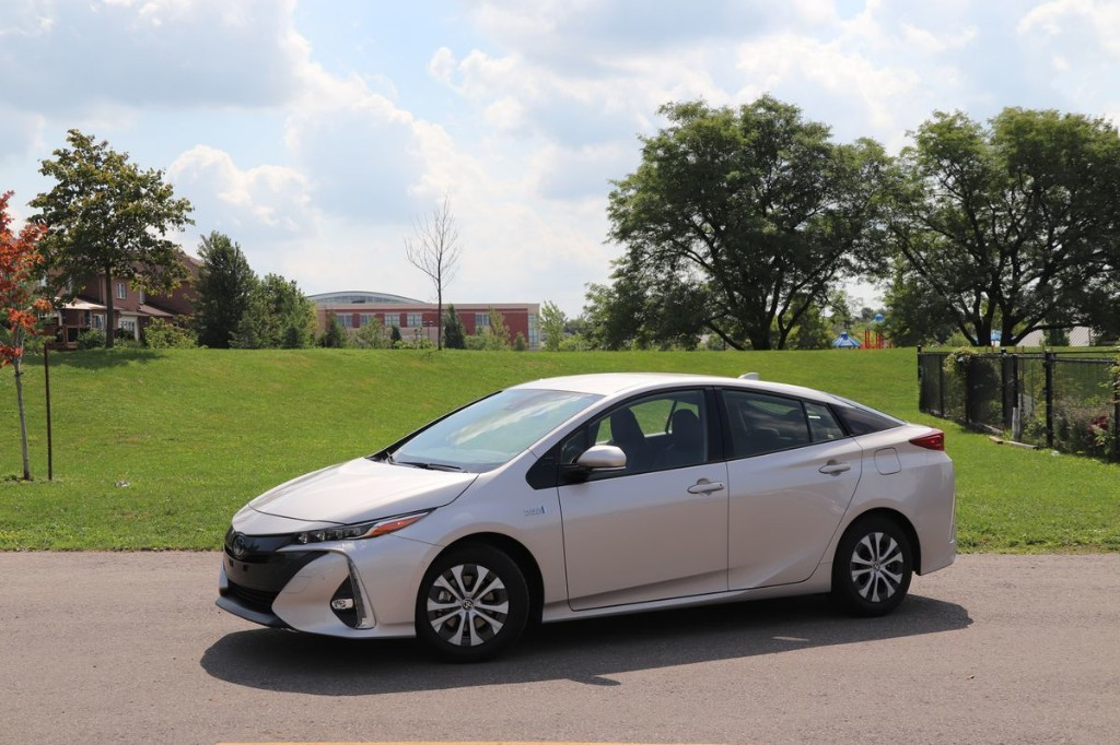 Review: The Toyota Prius Prime is a pleasant sedan to drive