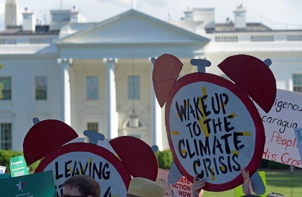 Trump climate deregulation could boost carbon emissions by 200 million tonnes a year, study says