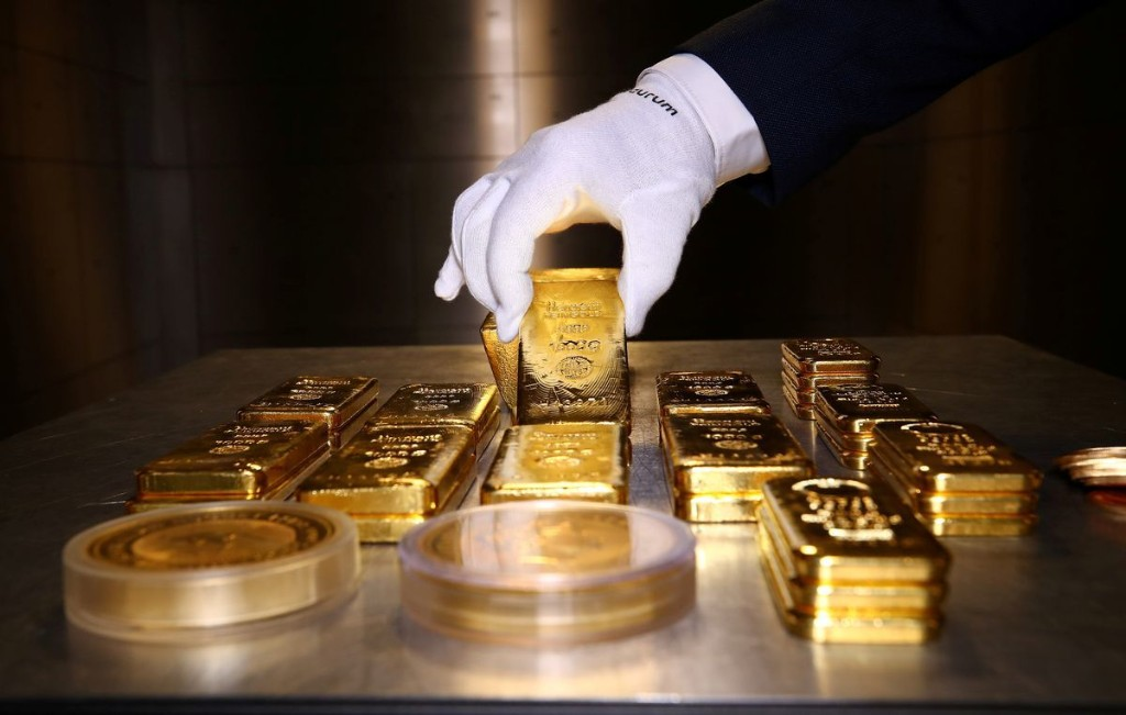 Gold prices surge to over US$2,000 an ounce for first time in history