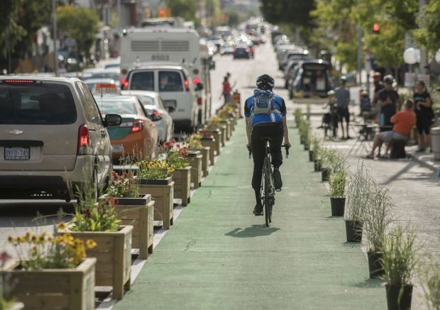 Bike lanes will help stop carmaggedon – if Toronto has the guts to use them
