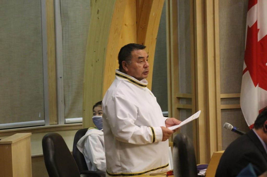 Nunavut premier expects support from caucus to remove minister from cabinet