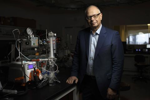 Canadian scientists turn carbon-dioxide emissions into useful products