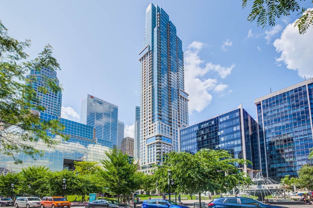 Buyer cuts a deal for condo overlooking Toronto's Berczy Park
