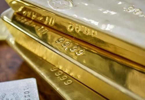Gold forges best run since 2011 as stars align for bullion bulls