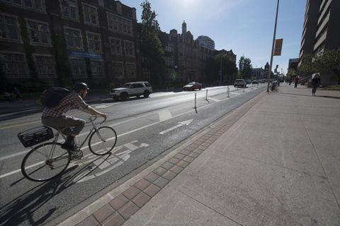 Ontario spending $93-million to expand bike lanes