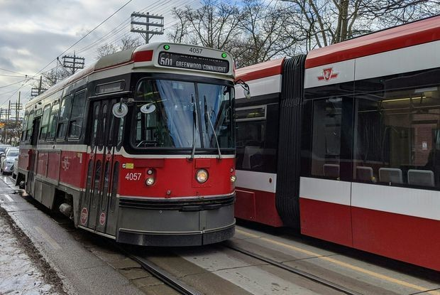 Last of Toronto's 40-year-old streetcars to make final trip today