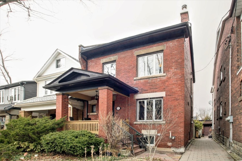 Buyers purchase Toronto home without venturing inside