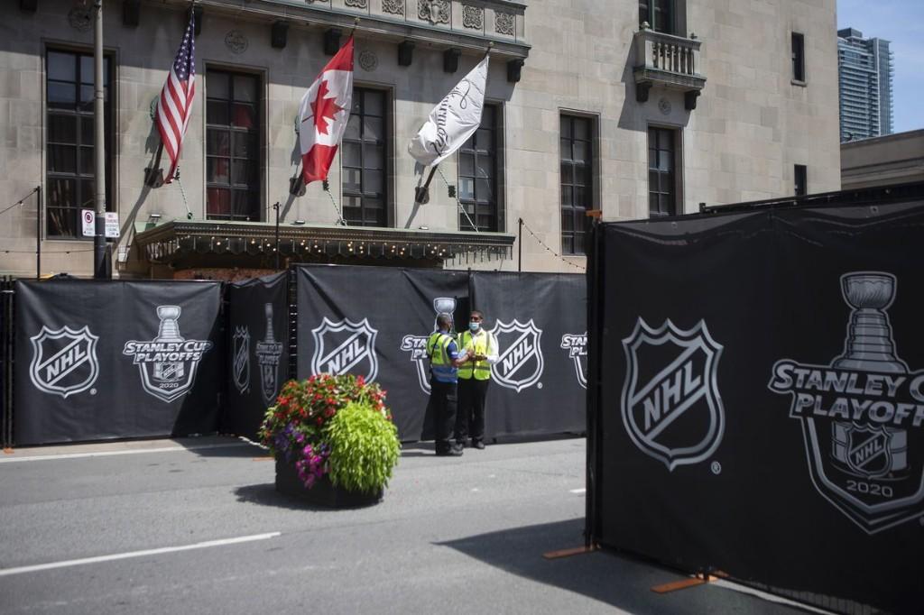 NHL teams battle 'bubble fatigue' as playoffs drag on