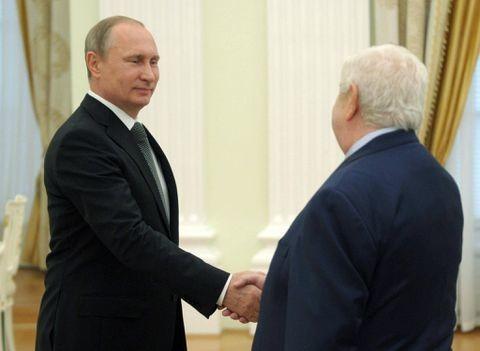 Putin: Nations must unite to fight Islamic State militants; Russia backs Syria's Assad