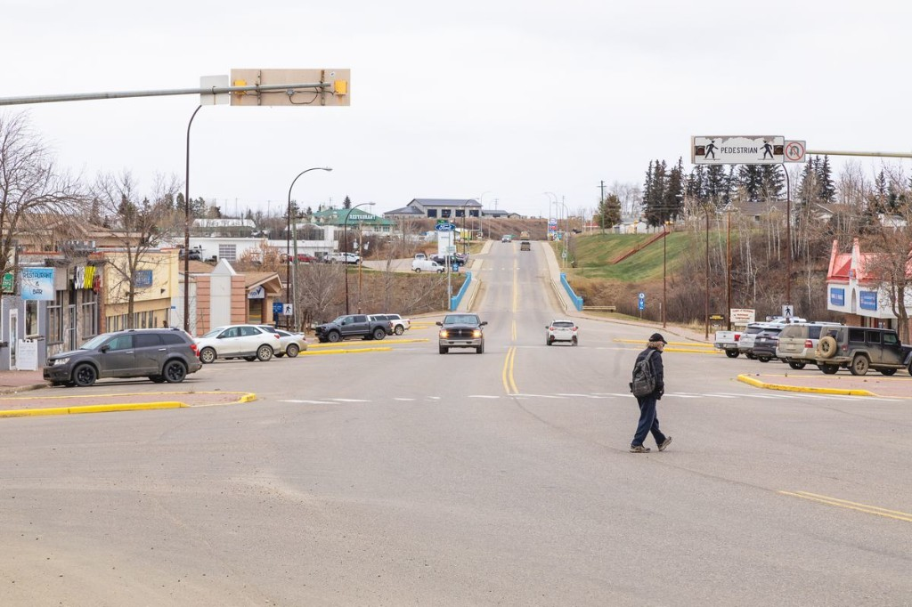 Disappearing towns: Alberta municipalities struggling with crumbling infrastructure, meagre finances