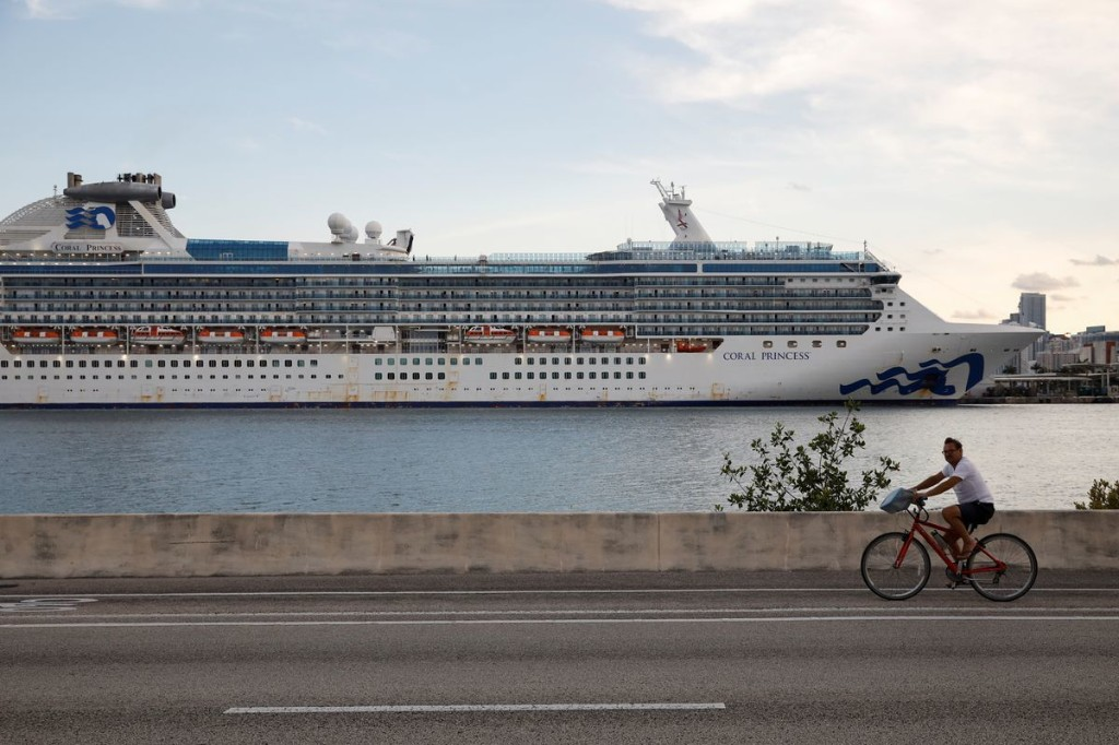 Canadians not allowed off coronavirus-stricken cruise ship due to new CDC guidelines