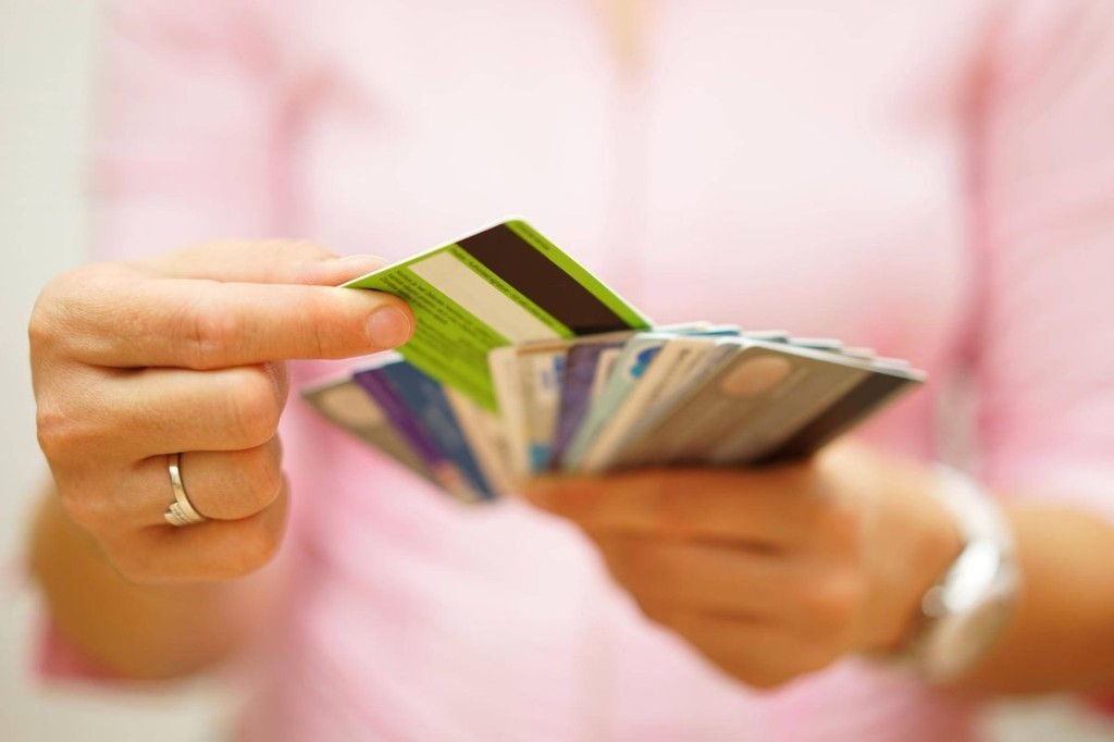 Canadian non-mortgage debt hits $21,696 as Alberta consumers struggle