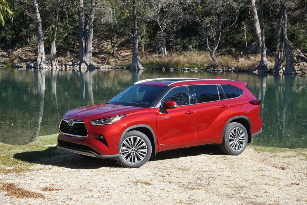 Review: In search of a fuel-efficient SUV with solid towing capacity