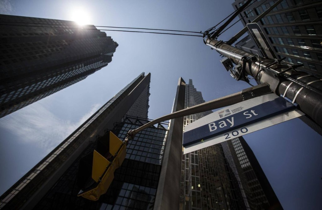 Gordon Pape: With low rates here to stay, it's time to ditch a balanced portfolio and invest in these dividend stocks