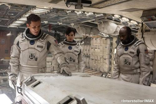 《星際效應》最後的九問:導演諾蘭嘗試解決的人性難題