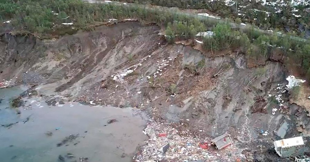 Dramatic Video Shows Landslide in Northern Norway Sweeping 8 Homes Into Sea