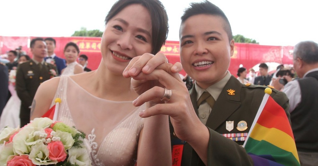 Two Same-Sex Couples in the Military Get Married in a First for Taiwan